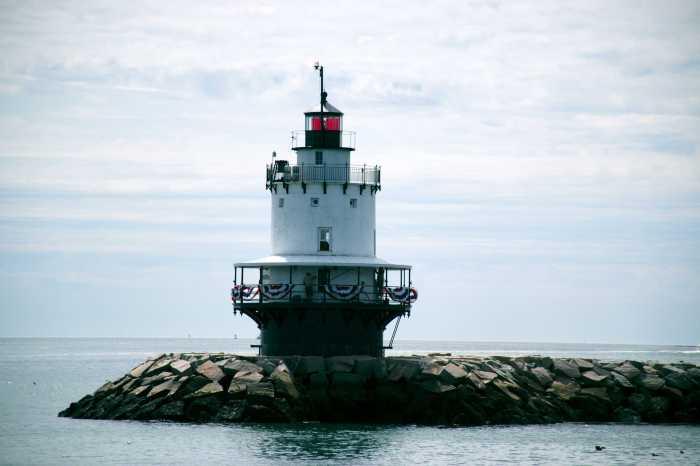 20170826_3641_Lighthouse_Cruis